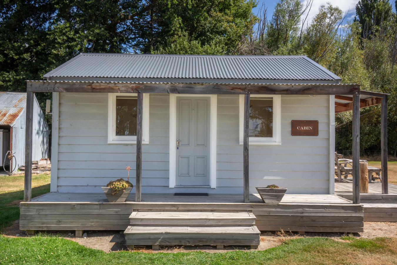 Omahau Downs Cabin