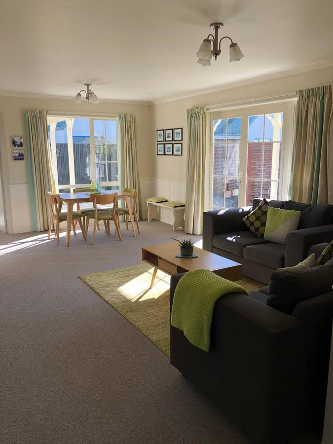 Relax on Rata Cottage 1